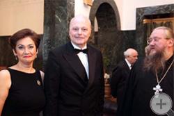 Иеромонах Никон встречает супругов Куликовских