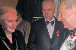 А.Ю.Королев-Перелешин встречает почётного гостя Народную артистку Быстрицкую
