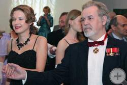 Танцевальная программа традиционно открывается полонезом