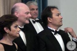 «Как танцуют!», почётные гости наблюдают за танцами