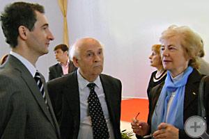 О.В.Щербачев беседует с В.В.Пассек и Л.В.Скульской
