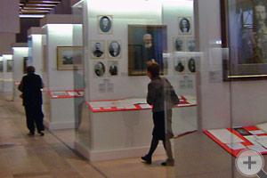 Около 900 экспонатов представлены на выставке