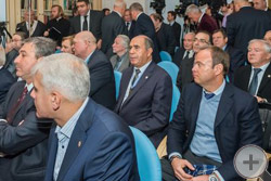 Члены Совета ИППО в зале заседания