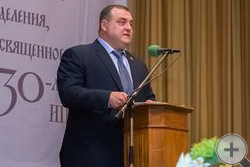 На собрании выступает С.Л.Байдаков