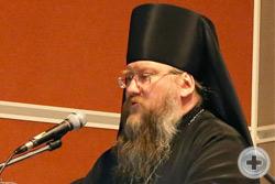 Выступает иеромонах Никон (Левачев-Белавенец)
