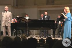 А.Н.Шеффер благодарит всех участников концерта