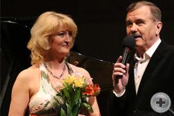 Л.Макарская и Л.Серебренников ведут концерт