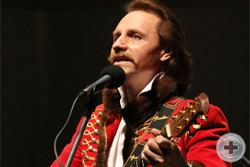 Поёт Дмитрий Швед (баритон)