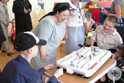 Государыня общается с детьми в Первом Детском Хосписе Санкт-Петербурга