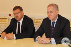 Во время встречи в Федеральном агентстве «Россотрудничество»: К.И.Косачёв и А.Ю.Воронин