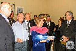 Главный организатор выставки директор Департамента Л.В.Скульская рассказывает о её участниках
