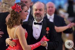 Художник Евгений Шеффер и директор Департамента культуры РДС Александр Шеффер с супругой