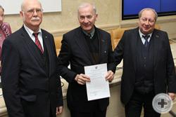 Вручение Благодарственного письма директору Департамента культуры РДС А.Н.Шефферу