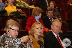 Зам.директора Департамента по гуманитарному сотрудничеству и правам человека МИД М.В.Хорев, за ним-Чрезвычайный и Полномочный Посол В.И.Кузьмин