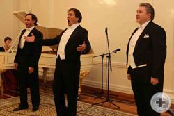 «Эх, вдоль по Питерской…» - поют «Три Российских Баса»