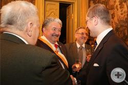 А.Н.Закатов приветствует известного политика С.Н.Бабурина