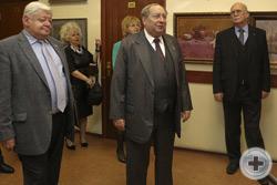 А.Ю.Королев-Перелешин открывает Торжественную церемонию презентации выставки