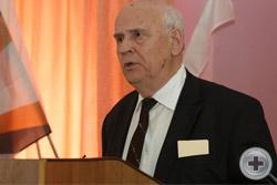 С докладом Контрольно-ревизионной комиссии (КРК) РДС Съезду выступает председатель КРК Вад.Вас.Пассек