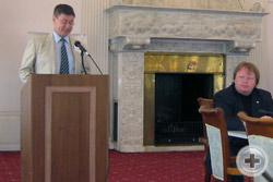 М.В.Воронцов-Вельяминов выступает с сообщением «Пушкинское наследие в Крыму»