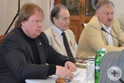 В заседании принимает участие Председатель Постоянной комиссии Госсовета Республики Крым по санаторно-курортному комплексу и туризму А.Ю.Черняк