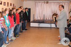 Перед юными гвардейцами выступает Вице-Предводитель Дворянского Собрания Удмуртии Виктор Ерастов