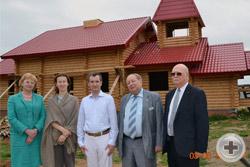 Делегация РДС посещает строящийся храм во имя Царственных страстотерпцев в микрорайоне «Лесная поляна»