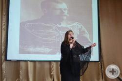 Песню «Русь Святая, храни веру Православную!», исполняет автор и исполнитель духовных  и патриотических песен Светлана Сибирская