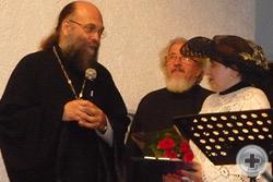 Духовник Дворянского Собрания Кубани протоиерей Дмитрий Болтонов благодарит организаторов и участников благотворительного концерта