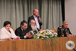 С приветственным словом выступает А.К. Ушаков, предводитель Дворянского Собрания Крыма