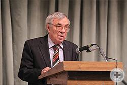 С докладом выступает В.Н. Ратушняк, доктор исторических наук, профессор Кубанского государственного университета, Заслуженный деятель науки России и Кубани
