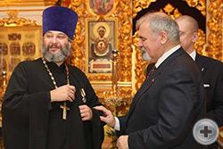 На протоиерея Михаила Гуляева возложена Императорская медаль «В память 400-летия Дома Романовых. 1613.2013»