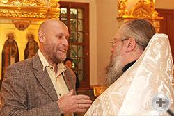Ф.В. Шелов-Коведяев беседует с иеромонахом Никоном (Левачевым-Белавенцем)