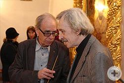 Беседуют А.И.Абрикосов (слева) и А.Р.Карпов