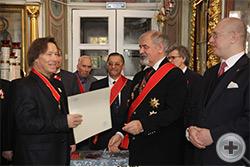 Председателю Союза православных граждан, кавалеру Ордена Св. Анны В.В.Лебедеву вручено свидетельство о личном дворянстве