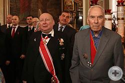 Кавалеры Императорских орденов и прихожане храма на праздничном богослужении
