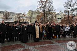 Лития. На фото справа – иеромонах Никон (Левачев-Белавенец), слева - священник Александр Шумский