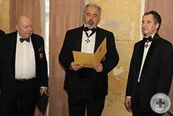 Герольдмейстер С.В.Думин оглашает Высочайший именной поздравительный рескрипт