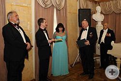 Первый Вице-Предводитель РДС А.Ю.Королев-Перелешин поздравляет юбиляра от имени руководства РДС