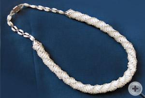 Колье-плетенка «Бисерный рис» (белый)