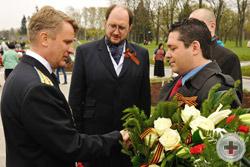 Прибытие Цесаревича на Пискаревское кладбище